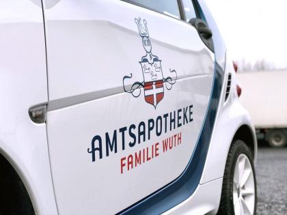Amtsapotheke Familie Wuth – Fahrzeugbeschriftung