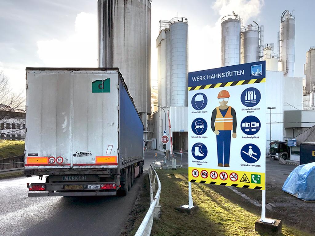 SCHAEFER KALK – neue Großformat-Schilder
